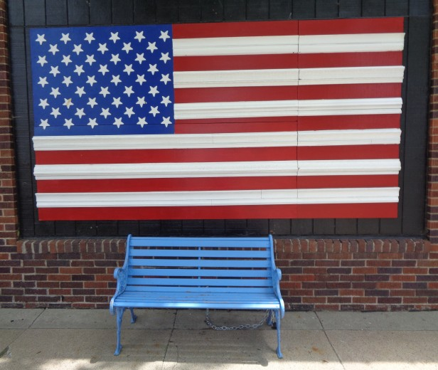 Wall - Flag with Bench